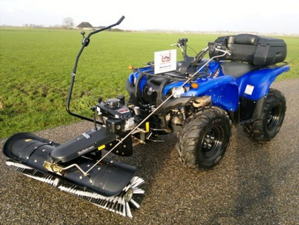 Tielburger veegmachine quad